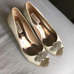 Badgley Mischka Ivory Heels
